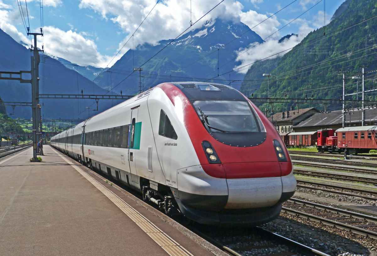 Eco-tourism: travel by train